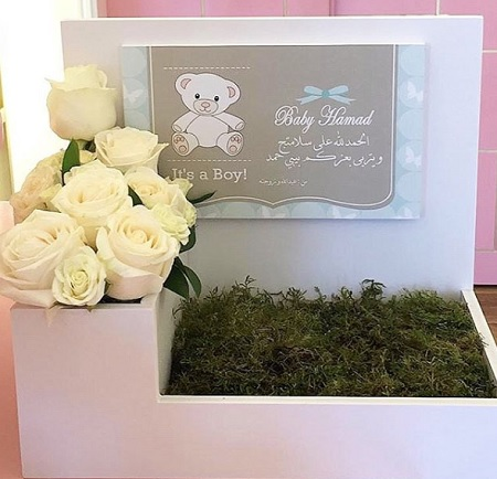 Flowers + Box + Card       بوكس و ورد و كرت
